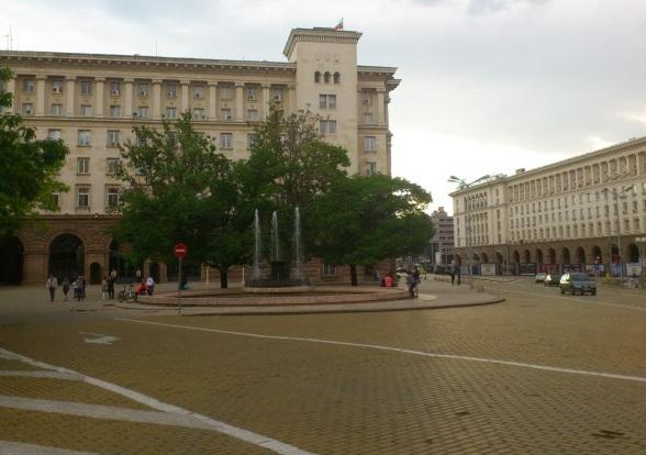 Площад  Атанас Буров