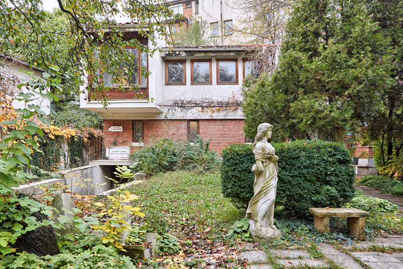 Dechko Uzunov Gallery